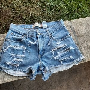 perfectly ripped Levis shorts